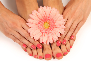 ¡Manicura y pedicura Spa!